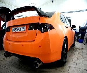 oklejka-avtomobilya-vinilovoj-plenkoj